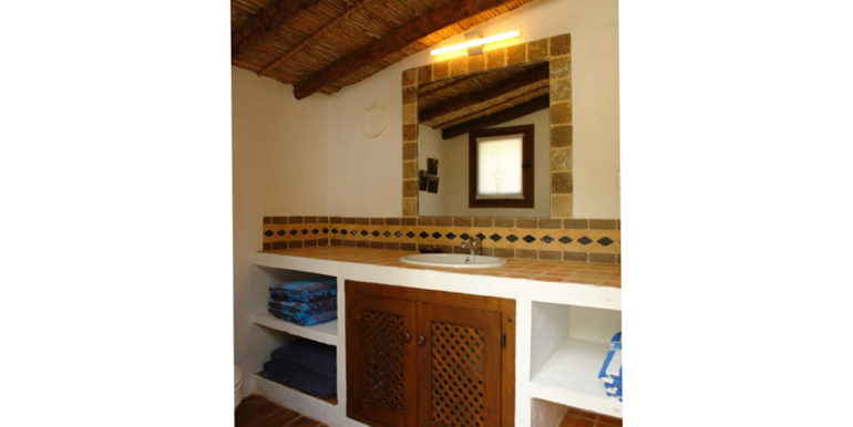 Exceptional stone finca in Moraira Sabatera - Bathroom by the pool - ID: 5500006