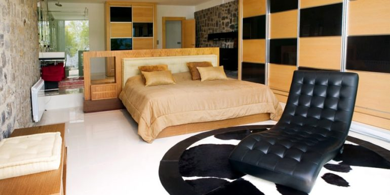 Exclusive luxury villa in Playa del Albir - Bedroom - ID: 5500224