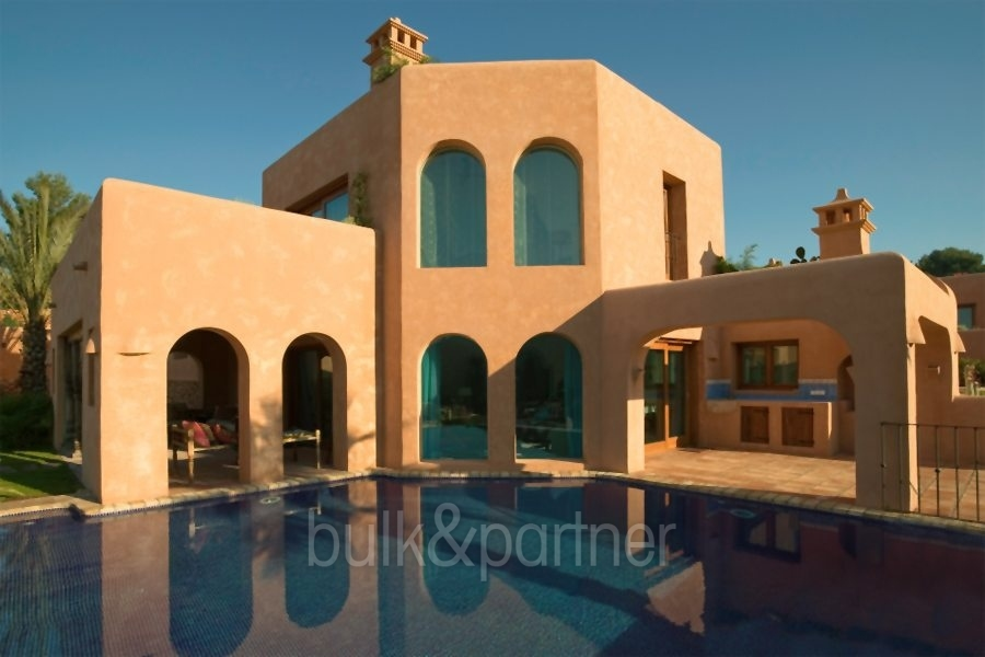 Extraordinaria villa estilo ibicenco en Moraira El Portet