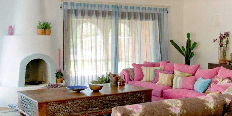 Aussergewöhnliche Ibiza-Style Villa in Moraira El Portet - Wohnzimmer - ID: 5500001 - Architekt Joaquín Lloret