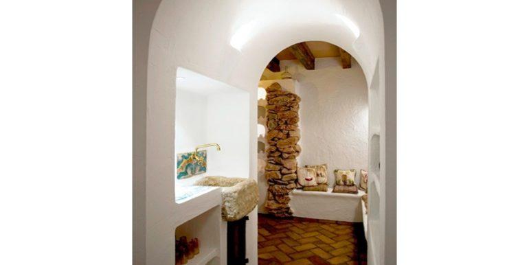 Extraordinaria villa estilo ibicenco en Moraira El Portet - Bodega - ID: 5500001 - Arquitecto Joaquín Lloret