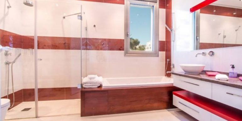 First line luxury villa in Moraira Cap Blanc - Bathroom guest apartment - ID: 5500003