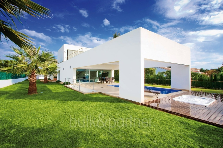 Modern and minimalist villa in Jávea