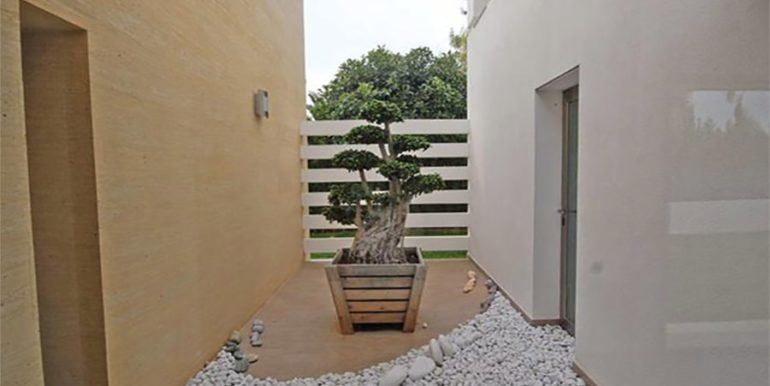 Modern and minimalist villa in Jávea La Guardia Park – Patio – ID: 5500034
