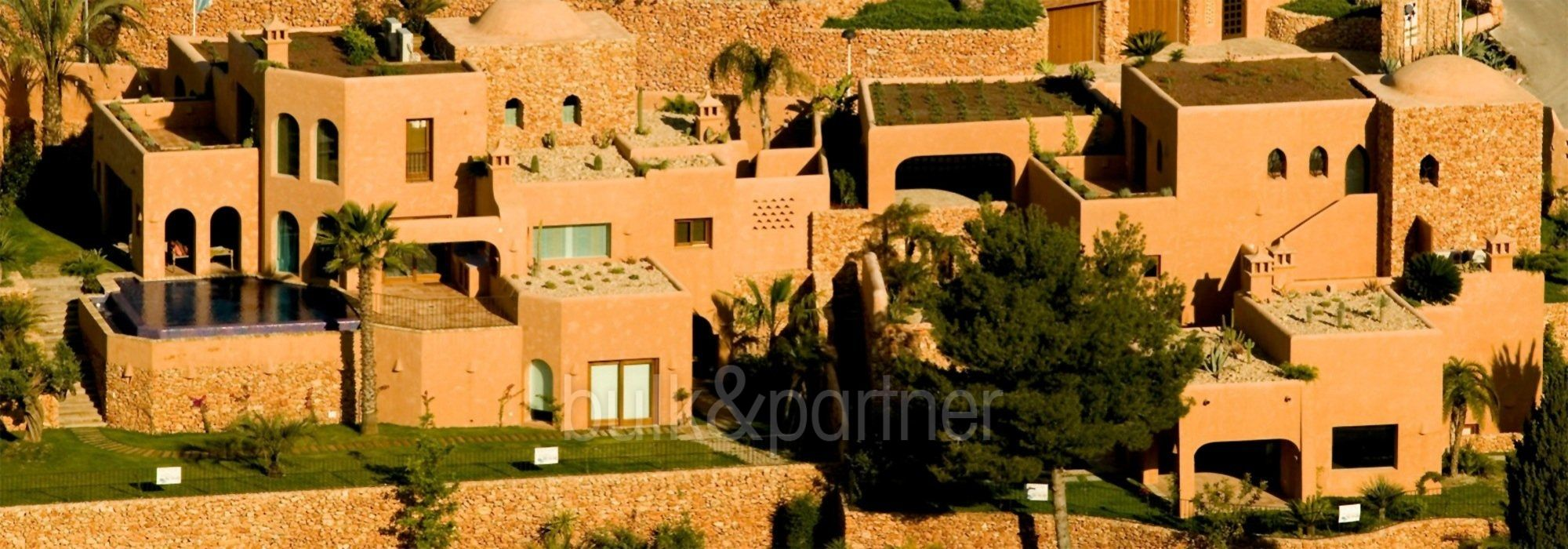 Moderna villa estilo ibicenco en Moraira