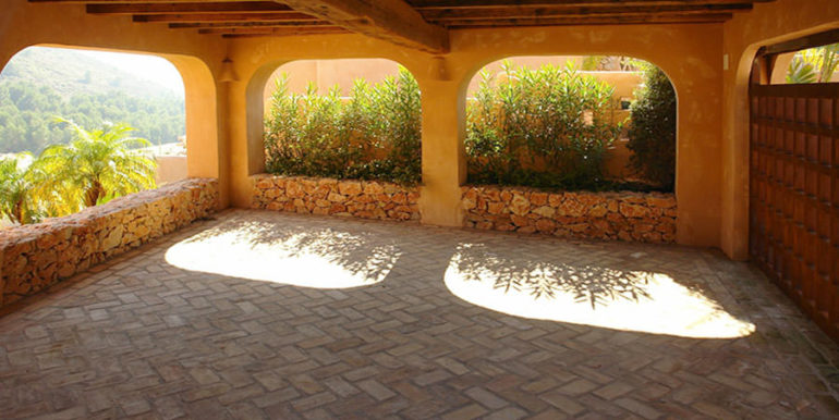 Modern Ibiza style villa in Moraira El Portet - Garage - ID: 5500002
