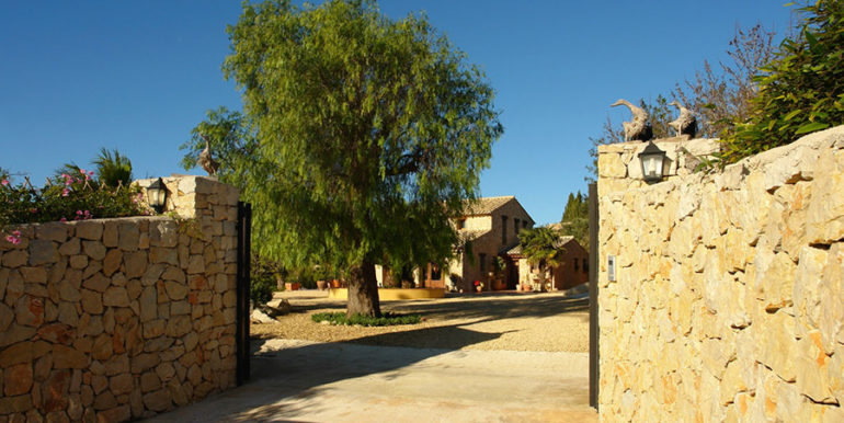Stone finca with gardens and sea views in Benissa Canor - Entrance - ID: 5500007