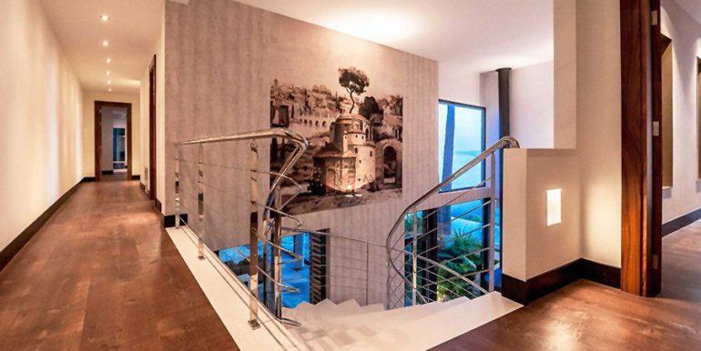Moderna villa de diseño de lujo en Benidorm Sierra Dorada - Escalera - ID: 5500052