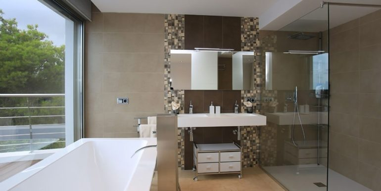 Exclusive first line luxury villa in Altéa Campomanes - Bathroom - ID: 5500659 - Architect David Montés López