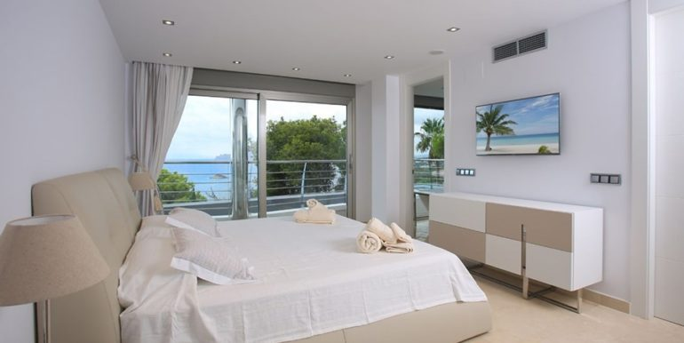 Exclusive first line luxury villa in Altéa Campomanes - Bedroom - ID: 5500659 - Architect David Montés López