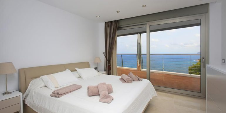 Exclusive first line luxury villa in Altéa Campomanes - Bedroom - ID: 5500659