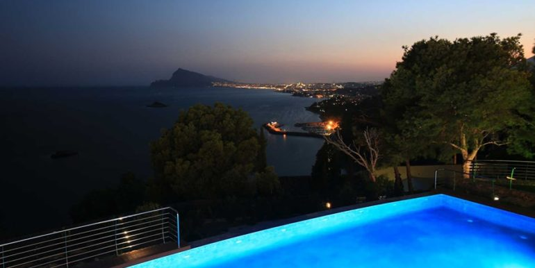 Exclusive first line luxury villa in Altéa Campomanes - Sea views by night - ID: 5500659