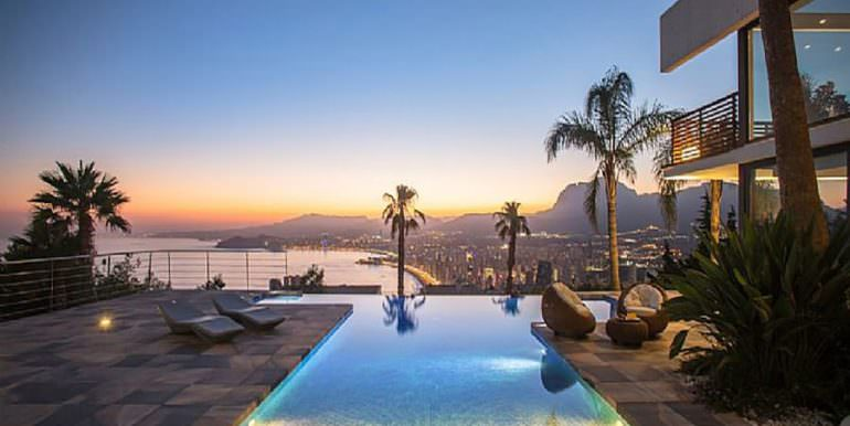 Modern luxury design villa Benidorm Sierra Dorada - Illuminated pool with sea views - ID: 5500052