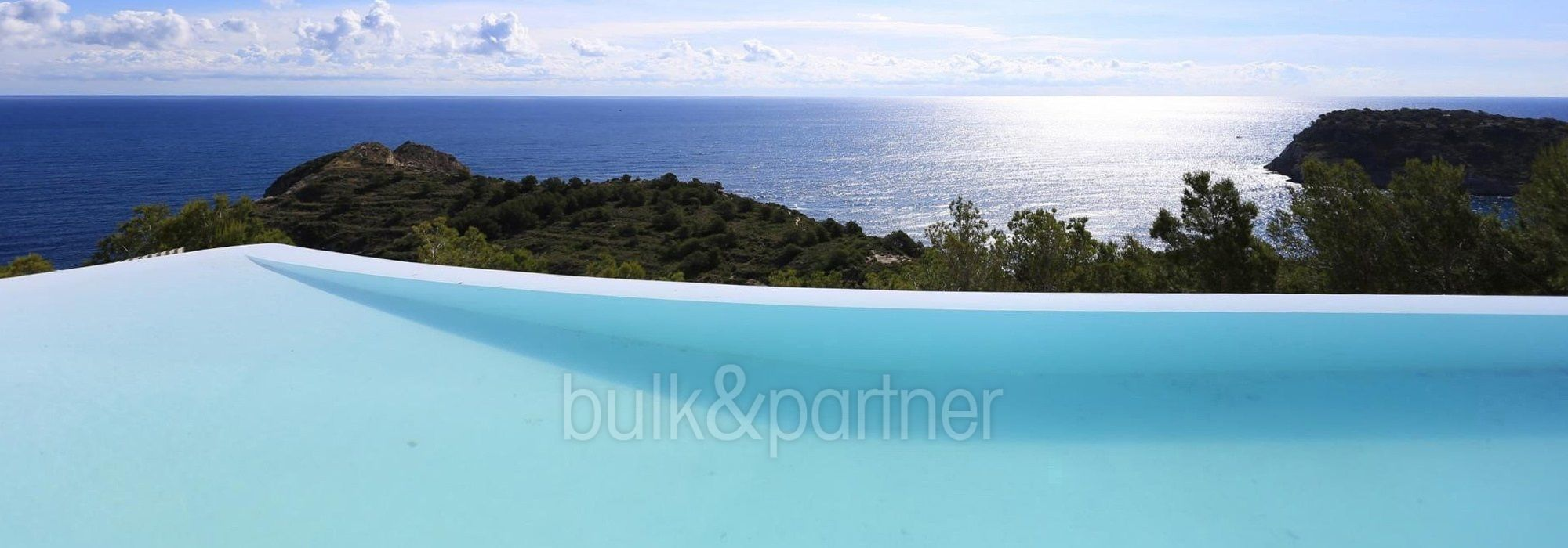 Gorgeous villa with exceptional sea views in Jávea