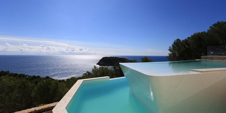 Gorgeous villa with exceptional sea views in Jávea Portichol - Pool with sea views - ID: 5500662