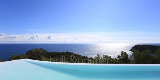 Gorgeous villa with exceptional sea views in Jávea Portichol