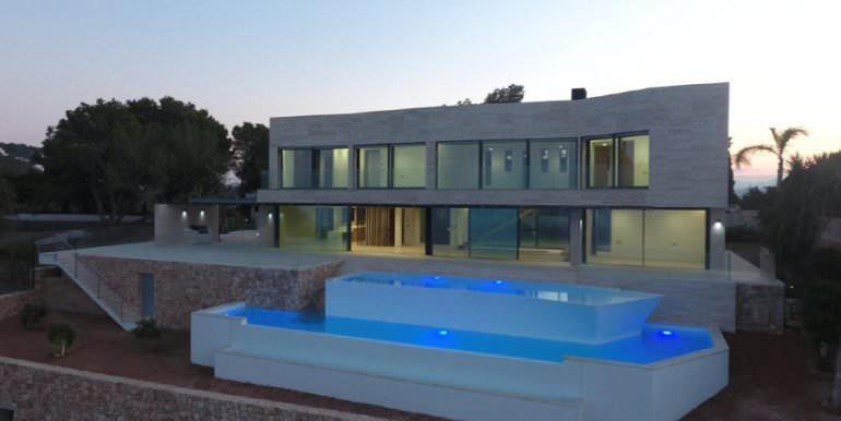 Wunderbare Villa mit außergewöhnlichem Meerblick in Jávea Portichol - Pool und Pool Terrasse bei Nacht - ID: 5500662
