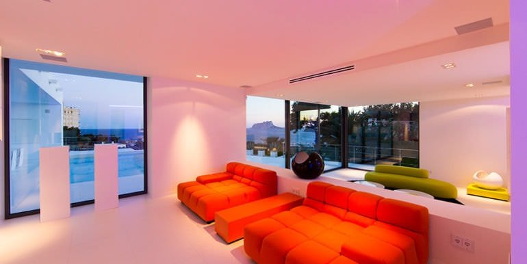New villa in minimalist style with sea views in Moraira El Portet - Living area illuminated and sea views - ID: 5500633 - Photographer: Michael van Oosten