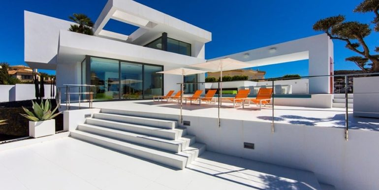 New villa in minimalist style with sea views in Moraira El Portet - Pool terrace - ID: 5500633 - Architect Carlos Gilardi (Equipo Digitalarq S.L.) - Photographer: Michael van Oosten