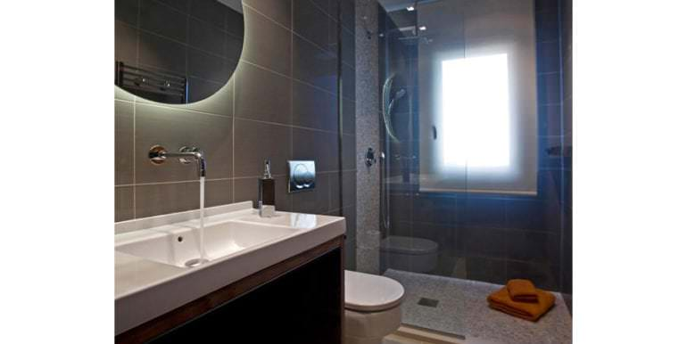 Traumhaftes Anwesen in exponierter Lage in Moraira Paichi - Badezimmer mit Dusche - ID: 5500660