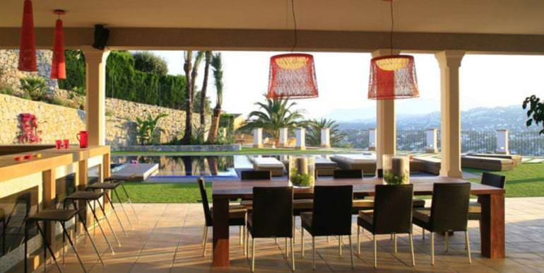 Unique luxury villa in exposed location in Moraira Paichi - Covered terrace pool and garden views - ID: 5500660
