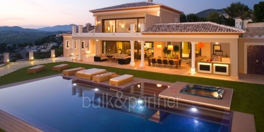 Unique luxury villa in exposed location in Moraira Paichi