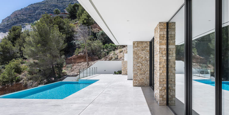 Modern luxury villa with sea views in Altéa Hills - Covered pool terrace - ID: 5500676 - Architecture by Pepe Giner - Photographer Germán Cabo