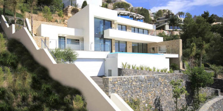 Modern luxury villa with sea views in Altéa Hills - Front of the villa from the side - ID: 5500676 - Architecture by Pepe Giner - Photographer Germán Cabo