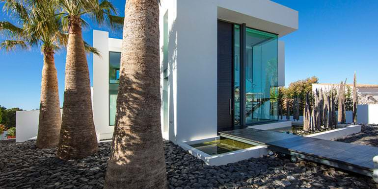 New villa in minimalist style with sea views in Moraira El Portet - Entrance - ID: 5500633 - Photographer: Michael van Oosten