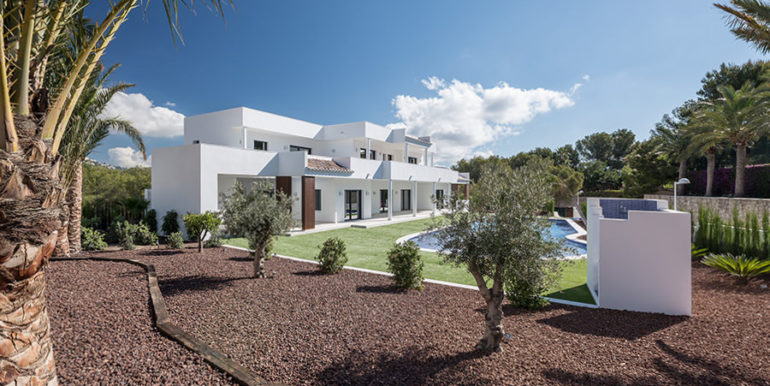 Newly-built villa in the most exclusive area in Moraira Cap Blanc - Side view and garden - ID: 5500665 - Photographer: Germán Cabo