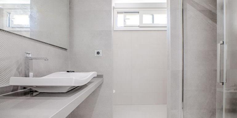 Seafront luxury villa in Benissa Cala Advocat - Bathroom with shower - ID: 5500677