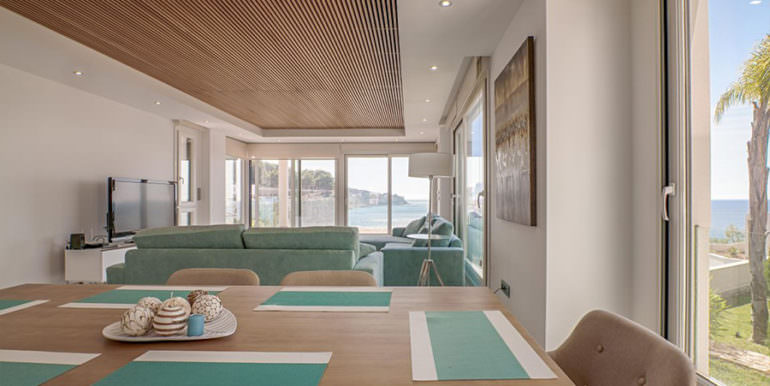 Seafront luxury villa in Benissa Cala Advocat - Dining area with sea views - ID: 5500677