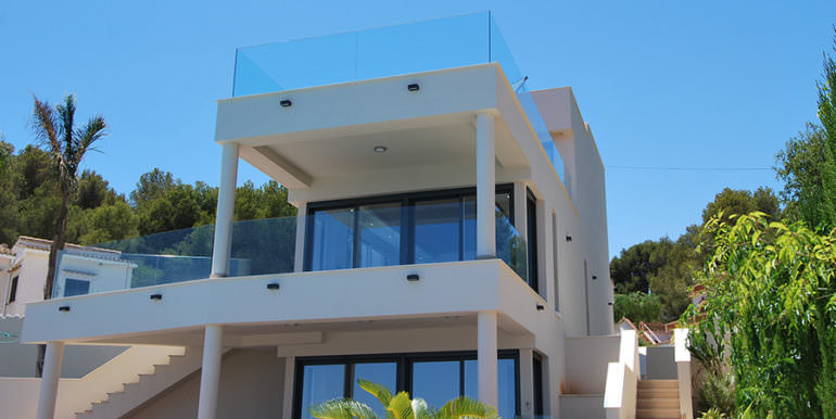 Seafront luxury villa in Benissa Cala Advocat - Front of the villa - ID: 5500677