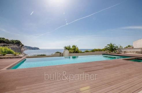Seafront luxury villa in Benissa Cala Advocat - Pool terrace and sea views - ID: 5500677