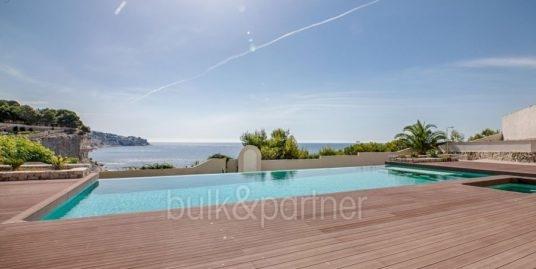 Seafront luxury villa in Benissa Cala Advocat
