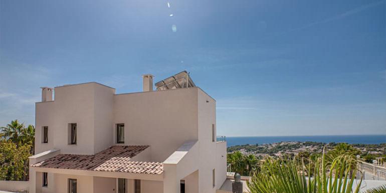 Wonderful new villa with stunning sea views in Moraira San Jaime/Moravit - Rear view with entrance and sea views - ID: 5500675