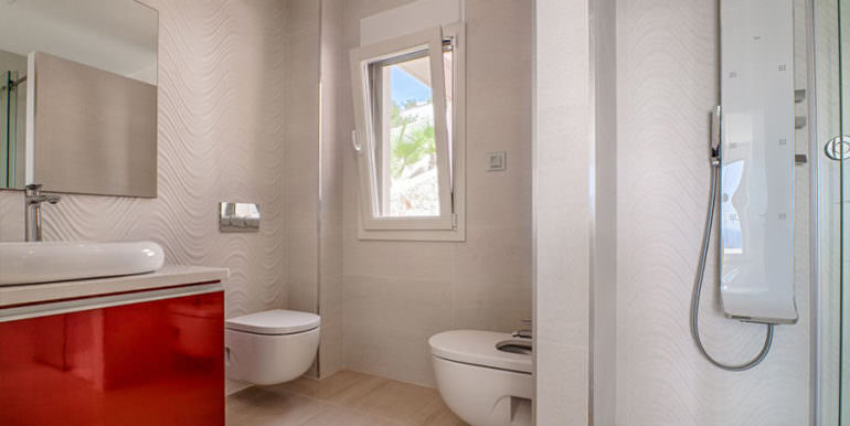 Wonderful new villa with stunning sea views in Moraira San Jaime/Moravit - Bathroom with shower - ID: 5500675