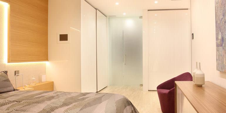 Luxury apartment with incredible sea views in Altéa la Sierra - Master bedroom - ID: 5500686