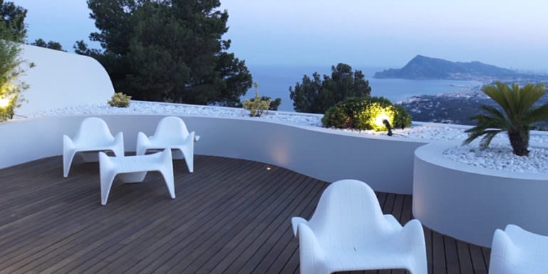 Luxury apartment with incredible sea views in Altéa la Sierra - Terrace with sea views illumined - ID: 5500686