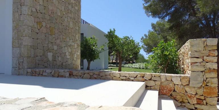 Modern new built luxury villa in Moraira El Portet - Entrance outside - ID: 5500685 - Architect Ramón Esteve