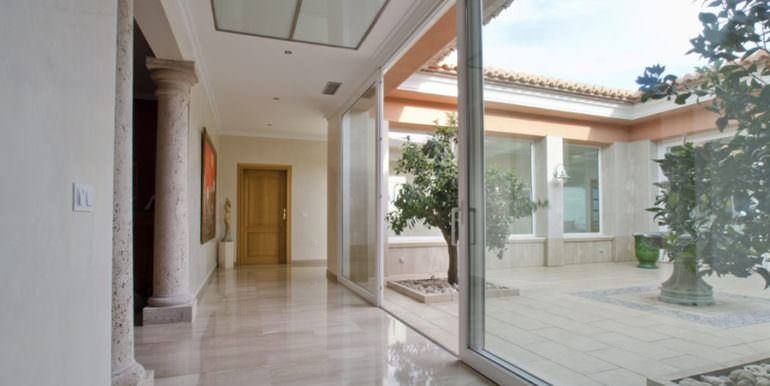 Luxury property in prime location with breathtaking sea views in Moraira Coma de los Frailes - Patio and entrance area - ID: 5500661