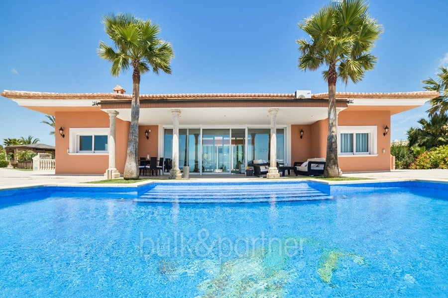 Luxury villa with incredible sea views in Moraira Coma de los Frailes