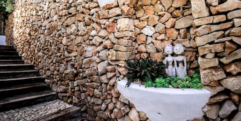 Exceptional ibiza style luxury villa in Moraira El Portet - Natural stone wall - ID: 5500687 - Architect Joaquín Lloret