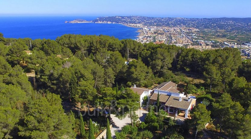 Exclusive Finca property with privacy in Jávea Cuesta San Antonio/La Plana - Aerial view and sea view - ID: 5500679
