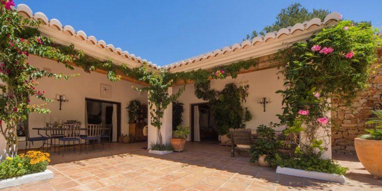 Exclusive Finca property with privacy in Jávea Cuesta San Antonio/La Plana - Covered terrace - ID: 5500679