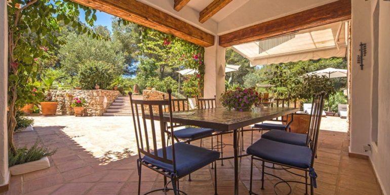Exclusive Finca property with privacy in Jávea Cuesta San Antonio/La Plana - Covered terrace dining area - ID: 5500679