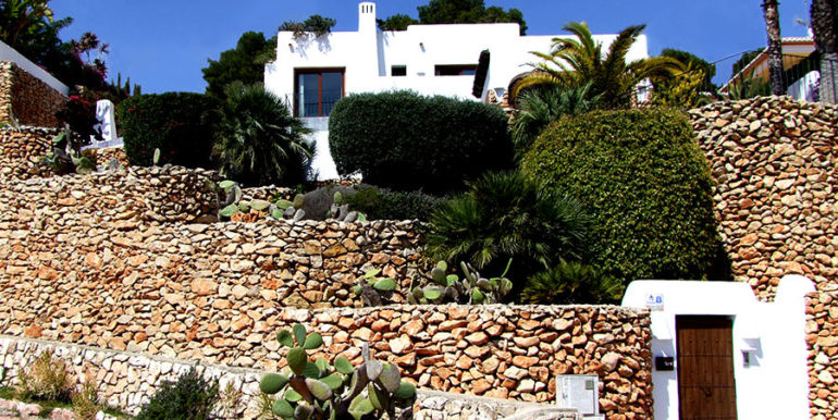 Ibizan luxury villa with harbour/sea view in Moraira Portichol/Club Náutico - Old monastery front door and natural stone wall - ID: 5500688 - Architect Joaquín Lloret - Photographer Torsten Bulk