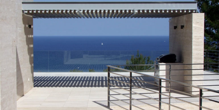 Gorgeous villa with exceptional sea views in Jávea Portichol - Covered BBQ terrace with sea views - ID: 5500662