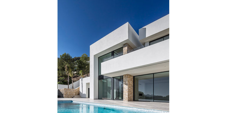 Modern luxury villa with sea views in Altéa Hills - Pool terrace and facade - ID: 5500676 - Architecture by Pepe Giner - Photographer Germán Cabo