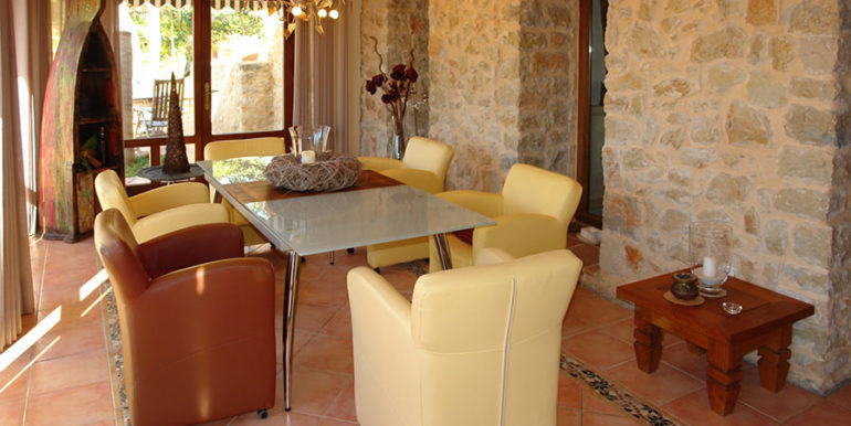 Stone finca with gardens and sea views in Benissa Canor - Dining and living room - ID: 5500007 - Photographer Torsten Bulk